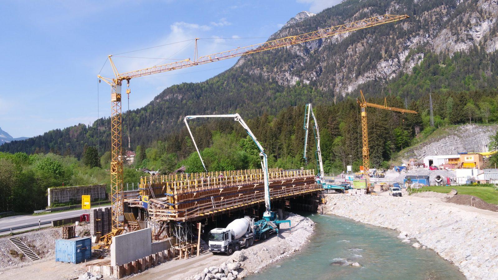 Loisachbrücke bei Burgrain