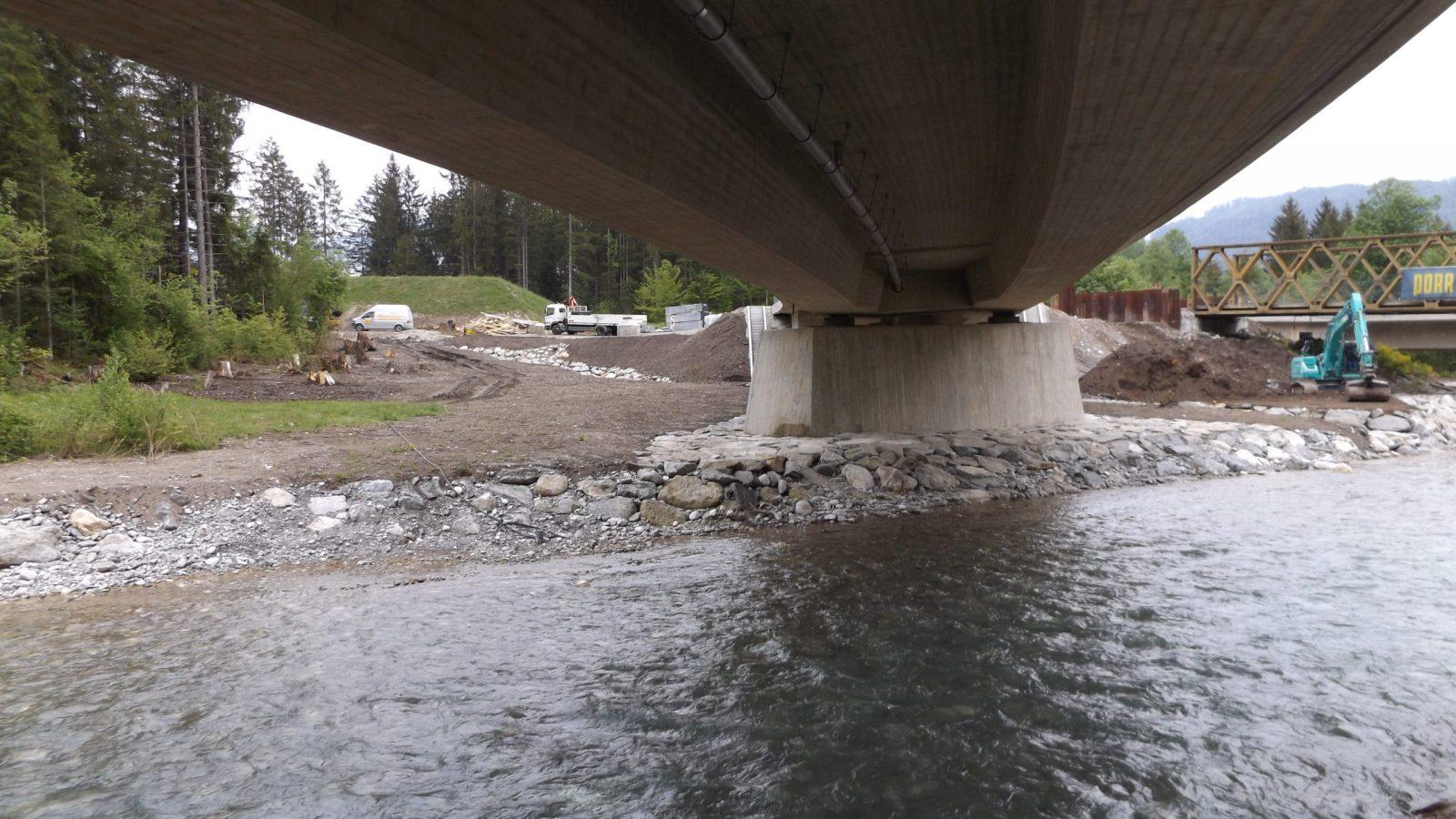 Loisachbrücke bei Grainau